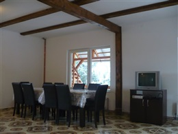 HOUSE WITH 4 BEDROOMS IN MARISEL WITH FURNISHED TERRACE * * *