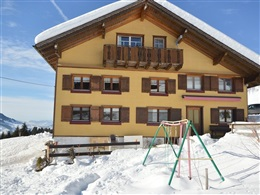 COMFORTABLE APARTMENT IN LANGENEGG NEAR SKI AREA * * *