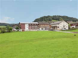 QUAINT APARTMENT IN KRUMBACH WITH LAWN * *