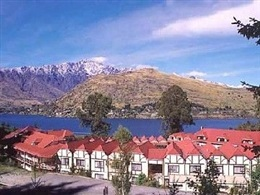 Sherwood Queenstown * * *