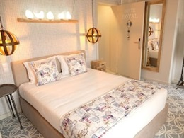 Royal Beach Hostel And Suites * *