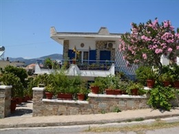 Traditional Summer House In Marmari * * *