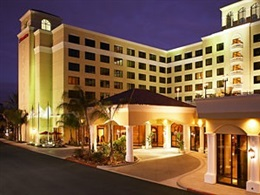 Doubletree Suites By Hilton Anaheim Resort Convention Centre * * *