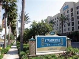 Staybridge Suites * * *