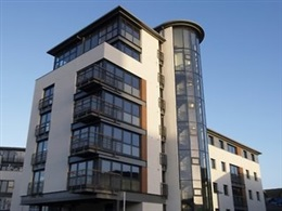 Fountain Court Eq2 Apartments * * * * *