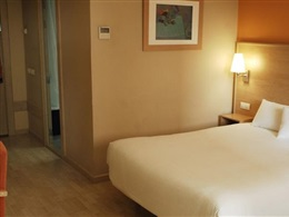 Hotel Travelodge Hospitalet * * *