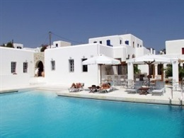 Mr Mrs White Hotel Ex Aks Chroma Paros * * *