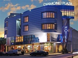 Diamond Plaza * * *