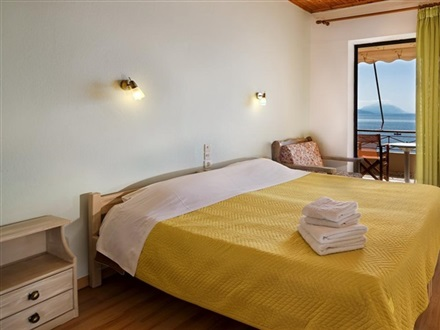 Pharos Rooms  Edipsos Evia