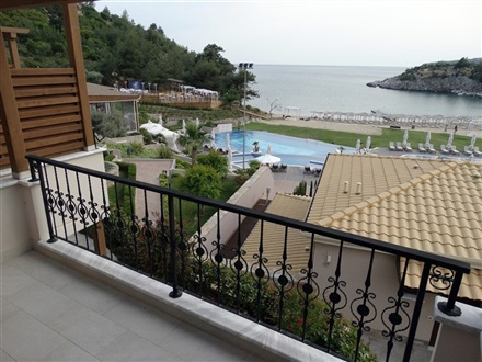 room_sea_viewThassos_Grand_Resort[1]