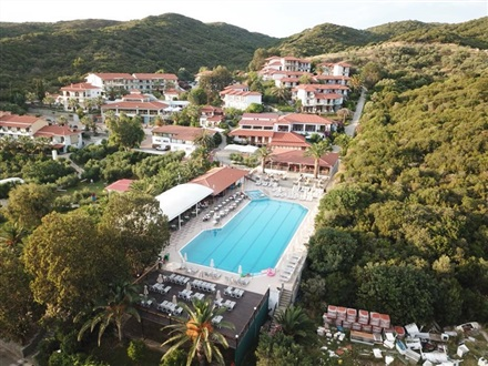 Imagine principala Hotel Aristoteles Holiday Resort Spa  Muntele Athos Ouranoupolis