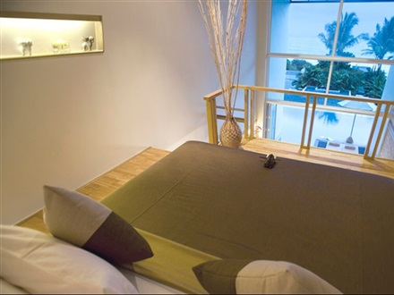 Phuket_Ocean_View_Loft-Bedroom[1]