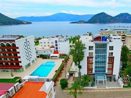 Munamar Beach Residence Hotel  Booking
