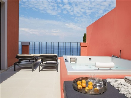 Marbella-nido-suite-hotel-and-villas_149288 [1]