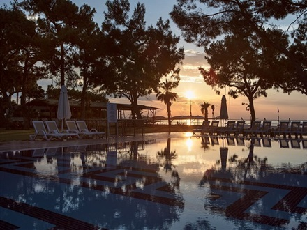 Dosinia Luxury Resort  Kemer