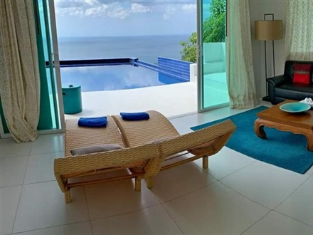 Grand Bleu Ocean View Pool Suite  Kamala