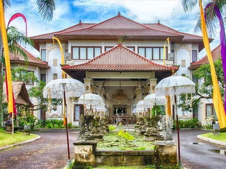 Imagine principala The Mansion Resort Hotel and Spa  Ubud