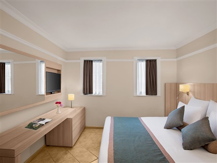 Junior Suite Room (Balcony and Sea View)