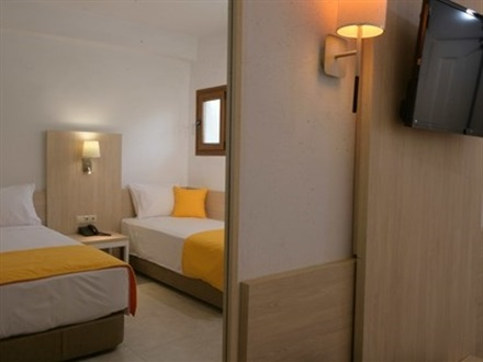 hotel_family-room-new-16
