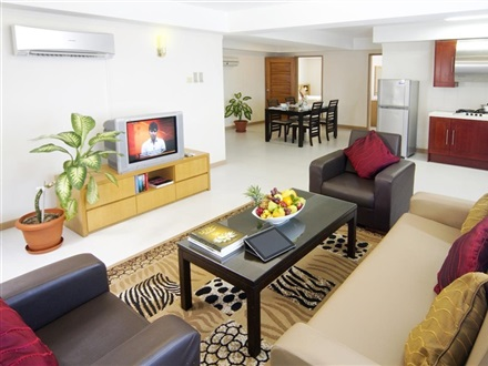Mookai Suites  Male