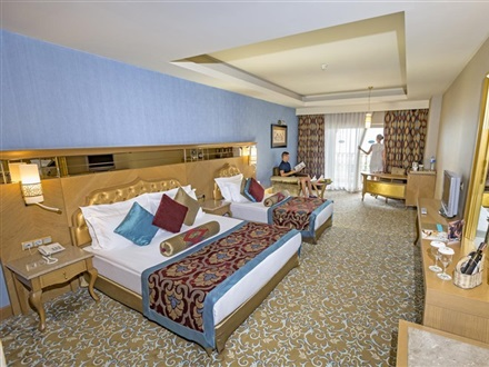 Hotel Royal Holiday Palace  Lara Antalya