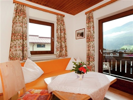 Imagine principala BEAUTIFUL APARTMENT IN UTTENDORF WITH MOUNTAIN VIEW  Uttendorf