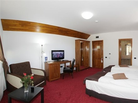 Hotel Cumpatu Sinaia, Romania