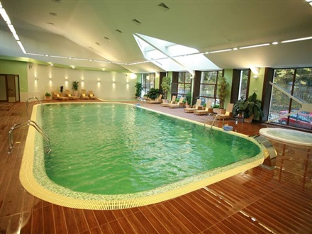 Indoorm swimming pools