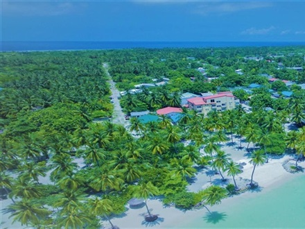 Imagine principala Reveries Diving Village  Laamu Atoll