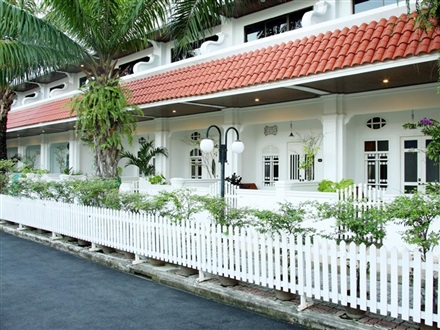 Hotel Old Phuket Karon Beach Resort  Phuket