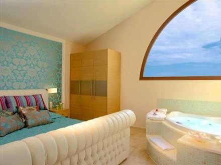 Maisonette Suite with Pr. Pool
