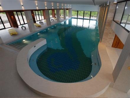 Complex wolf bran romania for Cazare bran cu piscina