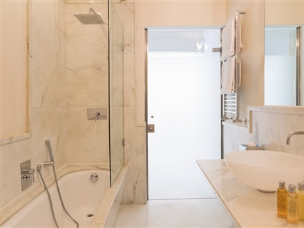 modern_bathroom-gallery[1]