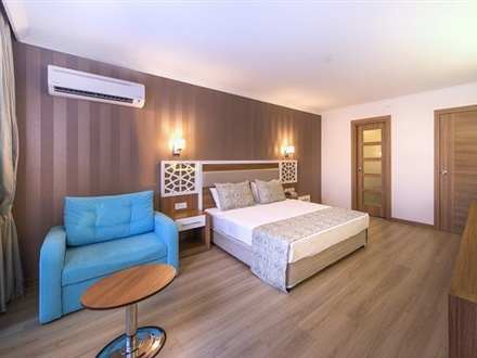 Lonicera Resort and Spa  Alanya