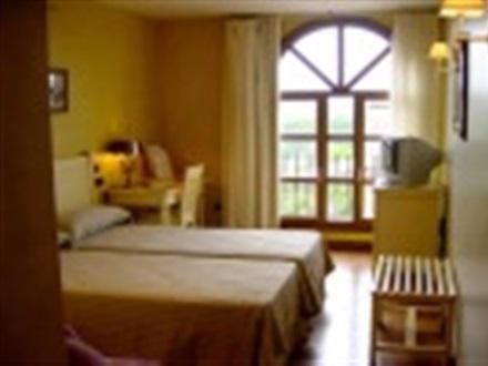 Hotel bodega casa del cofrade logrono la rioja spania for Hotel bodega logrono