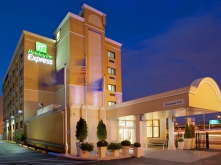 Imagine principala Holiday Inn Express Laguardia Airport  New York