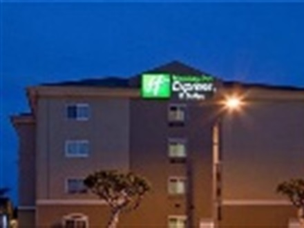 Holiday Inn Express And Suites Hawthorne  Los Angeles