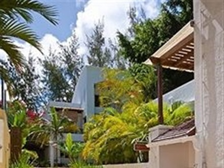 Le Beach Club Studios And Apartments  Mauritius