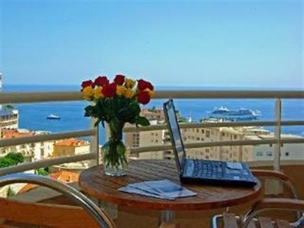 Appart hotel odalys les jardins d elisa menton coasta de for Appart hotel menton