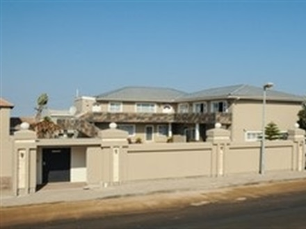 Imagine principala Sea Breeze Guesthouse  Swakopmund