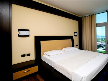 Vlora International Hotel  Vlore