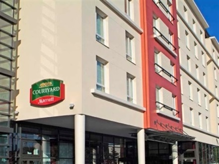 Courtyard By Marriott Paris Defense West Colombe  Paris