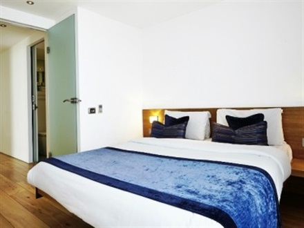 Go Native Kensington 1 Bed Open Plan  Londra