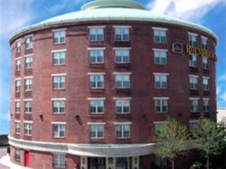 Hotel Best Western Roundhouse Suites  Boston