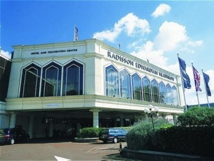 Hotel Radisson Blu Edwardian Heathrow  Heathrow Airport