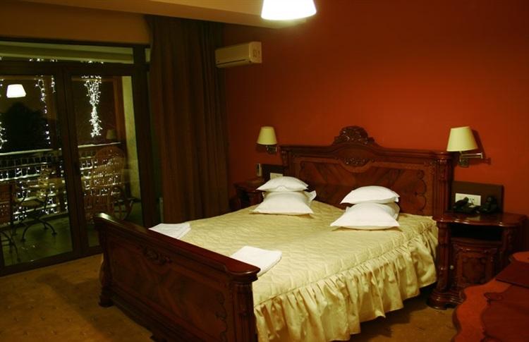 Book at hotel secret garden maramures romania for Secret hotel booking
