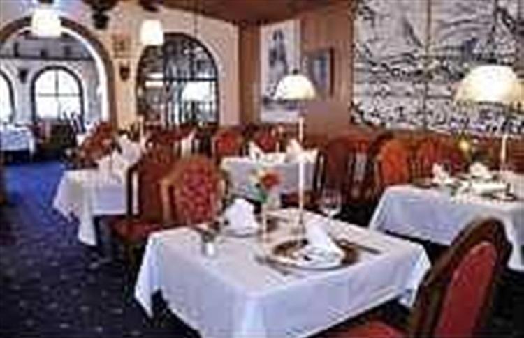 hotel bold oberammergau bavaria germania oferte cazare. Black Bedroom Furniture Sets. Home Design Ideas