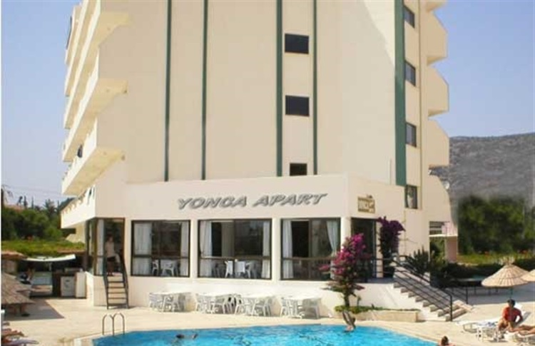 Book at yonca apart hotel de luxe long beach kusadasi for Appart hotel luxe