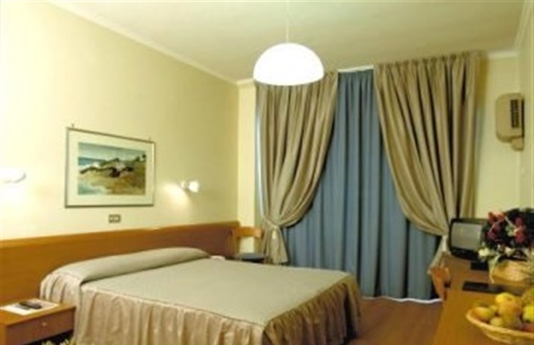 Best Western Globus Hotel Roma Booking