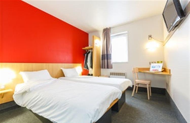 b b hotel dijon zenith dijon bourgogne franta. Black Bedroom Furniture Sets. Home Design Ideas